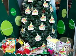 Kmart Christmas Trees Australia by Australians Dig Deep For Christmas Kmart Wishing Tree Appeal