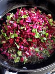 comment cuisiner les feuilles de betterave poêlée de fanes de betterave la cuisine de nat