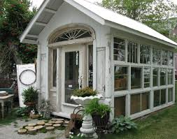 100 Glass House Project The Click Through For More Photos Of This Cute