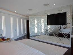 schlafzimmer wand spiegel über kommode eine schlafzimmer