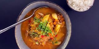 sauerkraut jjigae oder szegediner kimchifleisch gruß aus