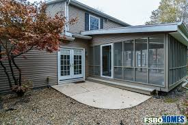 Can Shed Cedar Rapids Ia by 7010 Surrey Dr Ne Cedar Rapids Ia 52402 Home For Sale By Owner