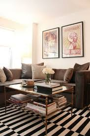 Brown Couch Living Room Decor Ideas by Best 25 Chocolate Couch Ideas On Pinterest Brown Living Room