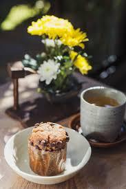Tea Break With Cupcake Premium Photo