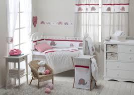 chambre bebe decoration idée déco chambre bébé sympa et originale à motif d éléphant