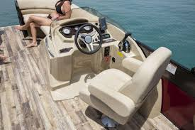 Crest Pontoon Captains Chair by 034a5490 Copy1 Jpg