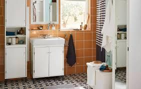 schicke badezimmereinrichtung planen mit günstigen badmöbeln