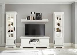home affaire wohnzimmer set royal 4 tlg bestehend aus 2 vitrinen 1 lowboard und 1 wandboard exclusiv design im landhausstil kaufen