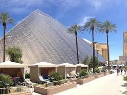 Luxor Casino Front Desk by Luxor Hotel U0026amp Casino At 3900 Las Vegas Blvd South In Las