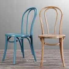 minimalistischen moderne design klassische gebogen massivholz stuhl berühmte design möbel esszimmer café café loft holz stuhl 2pcs