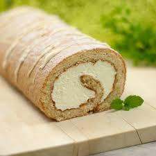 low carb zitronen biskuitrolle erfrischend leicht und lecker