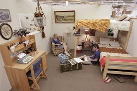Creative Decorate Dorm Room