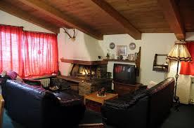 wohnung 2 offener kamin im wohnzimmer landhaus