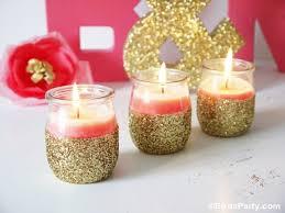 que faire avec des pots de yaourt en verre diy bougies scintillantes avec des pots de yaourt fêtes