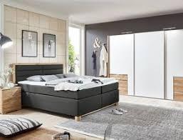 schlafzimmer komplett mit boxspringbett kaufen auf betten at