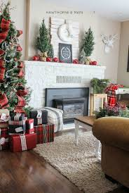 Herea Another Beautiful Rustic Inspired Christmas Living Room Rely On The Contrast Like What They Did Here A Simple White Red And Green Adds An Elegant