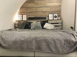 wooden furniture schlafzimmer palettenbett holzverkleidung