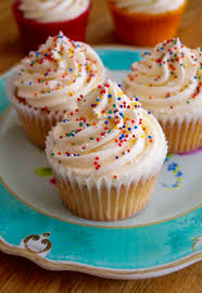 These are seriously fluffy and with a beautiful vanilla flavour They re not sickly sweet and have just the right balance of flavour sweetness and