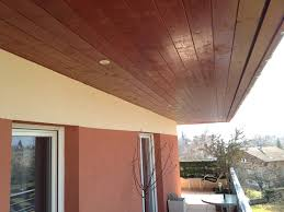 lambris bois sous toiture pose lambris pvc avant toit hompot