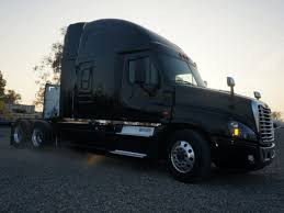 100 Rush Truck Center Pico Rivera FREIGHTLINER CASCADIA Sleeper S For Sale Lease New Used