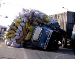 Truck Overloaded. A Little Overloaded | Funny | Pinterest