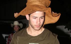 Jimmy Kimmel Halloween Candy 2010 by Nick Jonas Makes One Scarecrow For Halloween 2016 Halloween