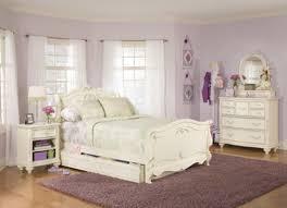 Antique white bedroom furniture for girls