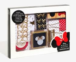 Disney Bath Sets Uk by Keep It Cute With The Disney Minnie Mouse Stationery Set Disney