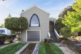 100 The Redding House 9 Pl Oakland CA 94619 5 Beds3 Baths