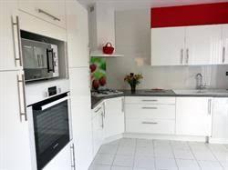 hotte de cuisine en angle réalisations cuisines sur mesure meubles simon mage