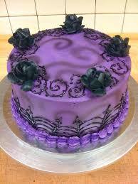 I love all the gothic Tim Burton esque wedding cakes I am totally having Gothic Birthday CakesHalloween Birthday CakesPurple