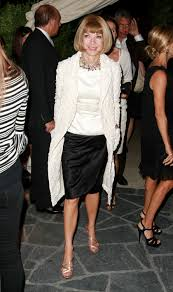 stylish clothes women over 50 anna wintour attends a party in