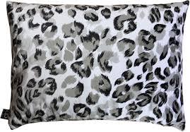 casa padrino luxus wohnzimmer deko kissen milwaukee weiß schwarz grau 35 x 55 cm feinster samtstoff luxus kollektion