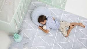tapis de chambre bébé grand tapis chambre bébé comme un meuble chambre enfant meubles de