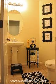 Half Bathroom Decorating Ideas Pinterest by Attractive Inspiration Ideas 2 Small Guest Bathroom Decorating 17