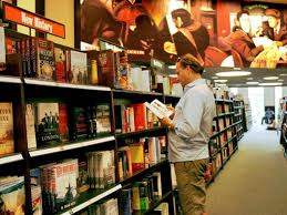 Barnes & Noble sees smaller stores more books in its future