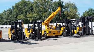 Types Of Forklifts Used In Heavy Machinery Moving -
