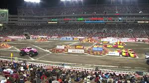 Monster Jam - Madusa Vs. Wolverine Monster Truck From Tampa - 2013 ...