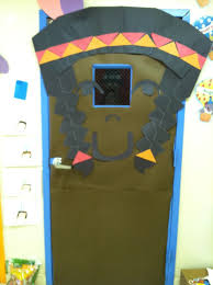 Kindergarten Thanksgiving Door Decorations by 68 Best Portes Images On Pinterest Christmas Classroom Door