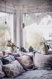 Comfortable Bohemian Bedroom Ideas For Your Small Home Interior With