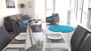 cropped 0002 wohnzimmer und gedeckter tisch essecke jpg