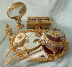 Vanity Mirror Dresser Set by Best 25 Vanity Set Ideas On Pinterest Makeup Vanity Set Beauty