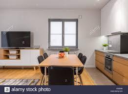 modernen offenen raum wohnung mit küche esszimmer und