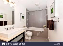badezimmer stockfotos und bilder kaufen alamy