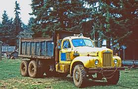 18 Wheel Beauties: TBT - Vintage Mack Trucks -