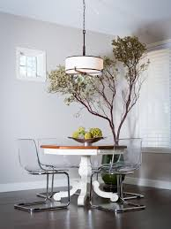 Contemporary Dining Room With Pedestal Table