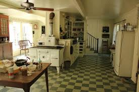 Decor Contrast Celias Plantation Home Has A Kitchen Stuck In The 30s