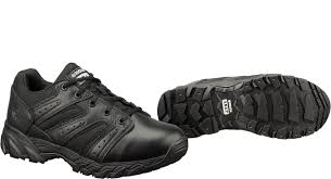original s w a t womens chase low slip resistant tactical shoe 131011