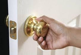 so öffnen sie eine innentür wenn sie zuschlägt und das