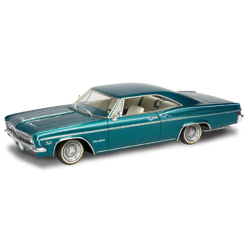 Revell 85-4497 - 1/25 66 Chevy Impala SS 396 2N1 Plastic Model Kit